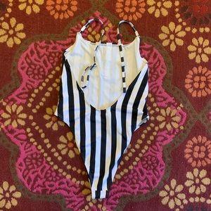 Boohoo Swim - Black and White striped One Piece